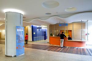 hall d'accueil de l'hôtel-Dieu (Architectes ingénieurs associés - photo : G.Satre)