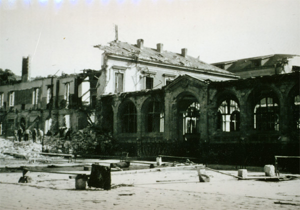 1943 - l'hôtel-Dieu après les bombardements